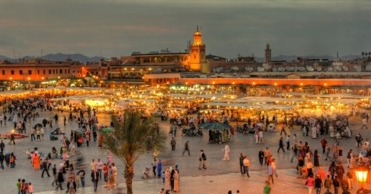 Marrocos-the-UNESCO-square-Djemaa-El-fna-at-marrakesh-shutterstock_72055387-1024x538