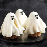 ghost-cupcake-make-easy-kid-snacks-treat-halloween-party